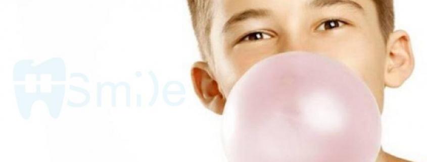جویدن آدامس در حین درمان ارتودنسی